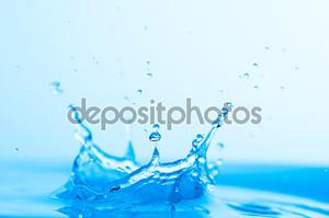 Всплеск голубой воды