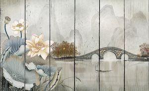 Лотосы на фоне мостика