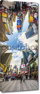 Люди посещают Таймс-сквер, театров Бродвея и h