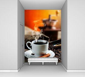 Ароматный кофе в белой кружке