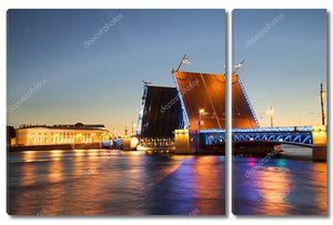 Просмотр развелись Дворцовый мост в белые ночи. Санкт-Петербург