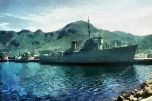 Военный корабль в гавани
