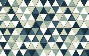 Узор  из треугольников разных цветов
