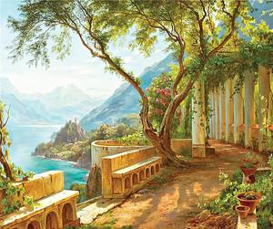 Живописное место на вершине горы