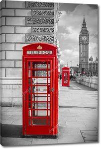 Знаковых красный британской телефонные коробки с Биг Бен на Солнечный день - черный & белый