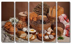 Натюрморт с хлебом в русском национальном стиле