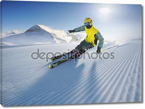 Лыжник в Альпах