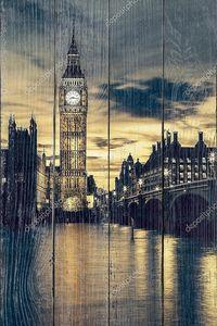 Большая башня с часами в Лондоне на закате