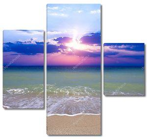 Закат на пляжу