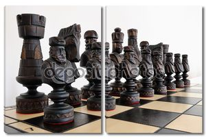 Большие шахматы на доске