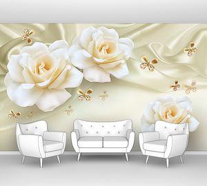 Розы с малюсенькими бабочками