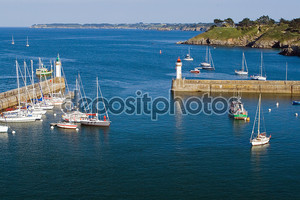 Вид сверху Марина дворца Ла острова Бель-Иль en M