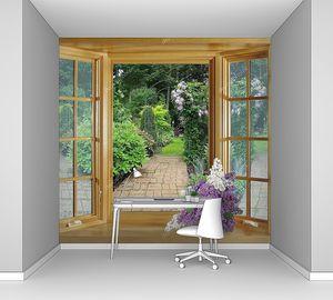 Открытое окно в сад с сиренью на подоконнике