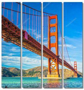 Вид на Золотой мост снизу
