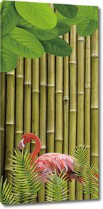 Фламинго на фоне бамбука