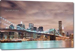 Манхэттен с Бруклинского моста ночью