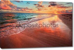 Закат над берег beach океана