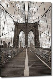 Бруклинский мост Нью-Йорка в сепии