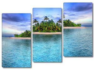 Тропический остров издалека