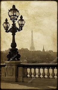 Фонарный столб на мосту Александра iii в Париже