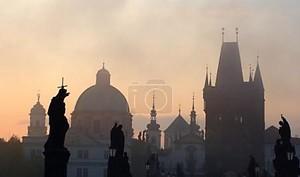 Прага - Карлов мост в утро