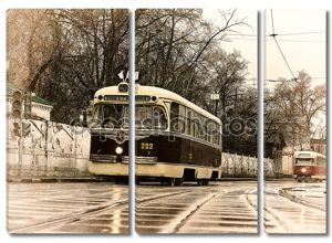 Старинные трамваи на парад трамваев в Москве.