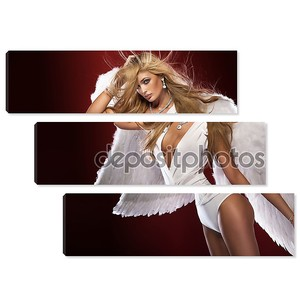 Блондинка позирует Ангел.
