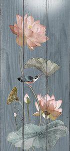 Розовая кувшинка с птичкой