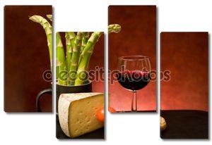 Натюрморт со спаржей, сыром и вином