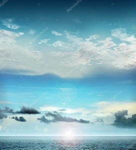 небо и океан