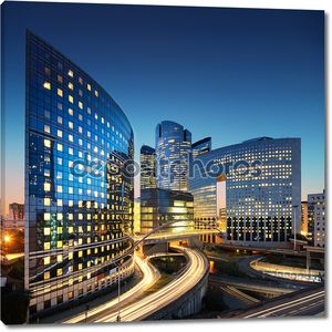 Архитектура бизнес - небоскребы и легкие трассы