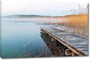 Ирландское озеро до восхода солнца