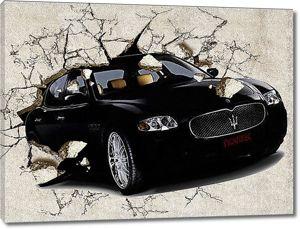Черная машина класса Люкс вылетает из бетонной стены