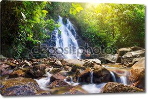 Красивая Сай rung водопад в Таиланде