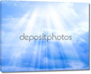 небо с облаками и солнце