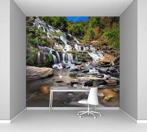 Каскадный большой водопад