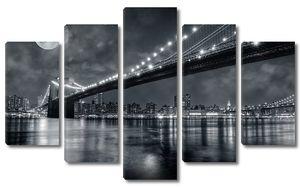 Бруклинский мост лунной ночью