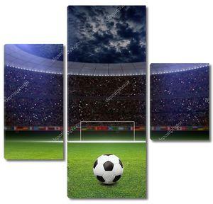 Футбольный стадион с тучами над ним