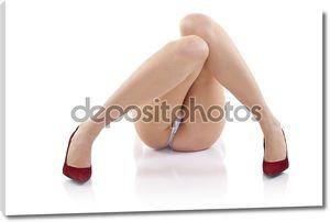 Ноги молодой женщины