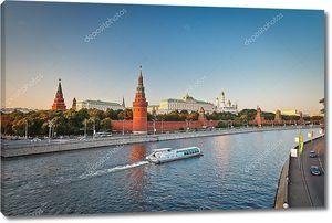 Москва река и вид на Кремль