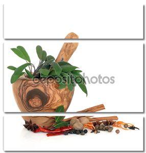 Специи и пряные травы.