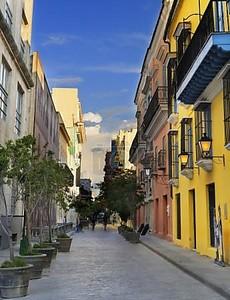 Гавана улицы с красочными зданиями