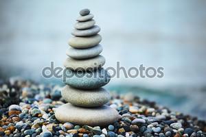Zen камни в море
