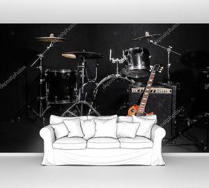 Набор музыкальных инструментов во время концерта