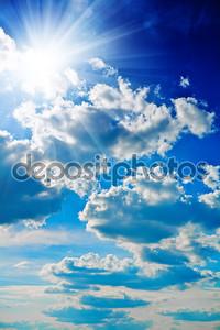 Голубое небо с солнцем тесно