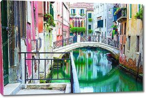 Мост и канал в Венеции