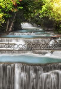 Четырехуровневый водопад