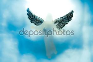 Глядя вниз с неба Ангел
