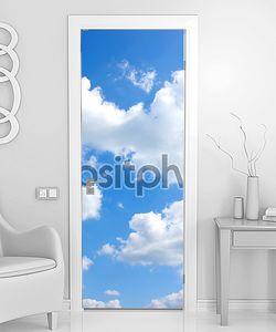 Небо и солнце за облачком