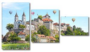 Замок на холме с воздушными шарами